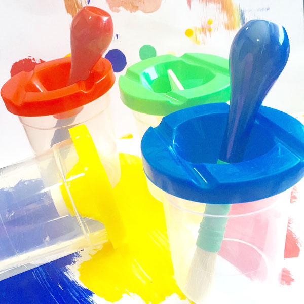 no-spill-paint-cups