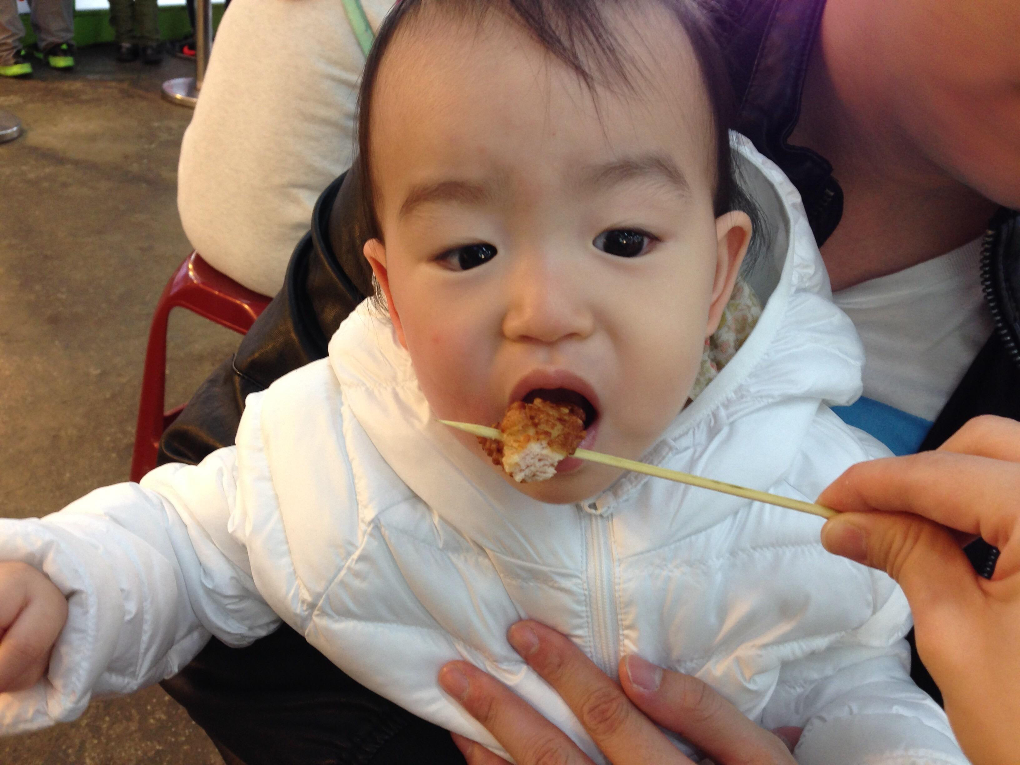 Light tries street food