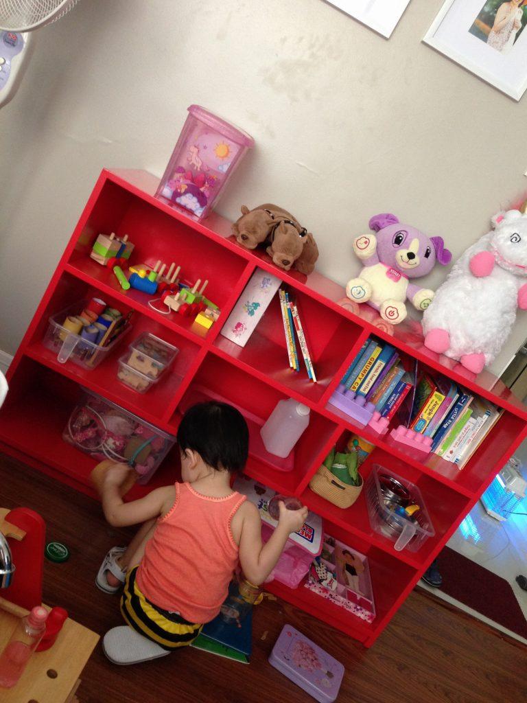 custom-made-toy-shelves-2
