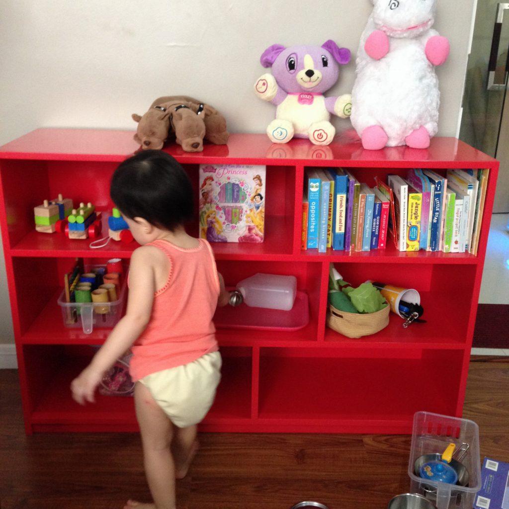 kids-toy-shelves